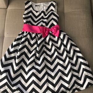 Girls party dress size 14/16 NWT